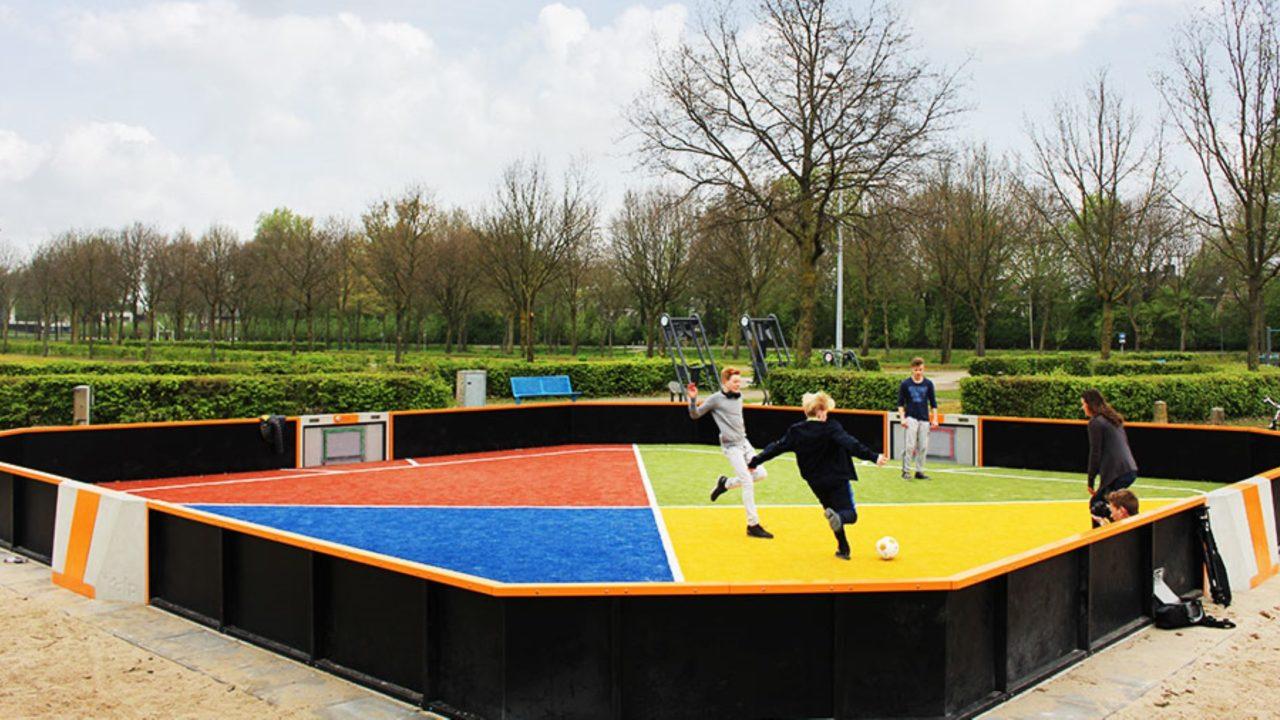 Yalp Toro - Mehrzwecksportplatz - im öffentlichen Raum