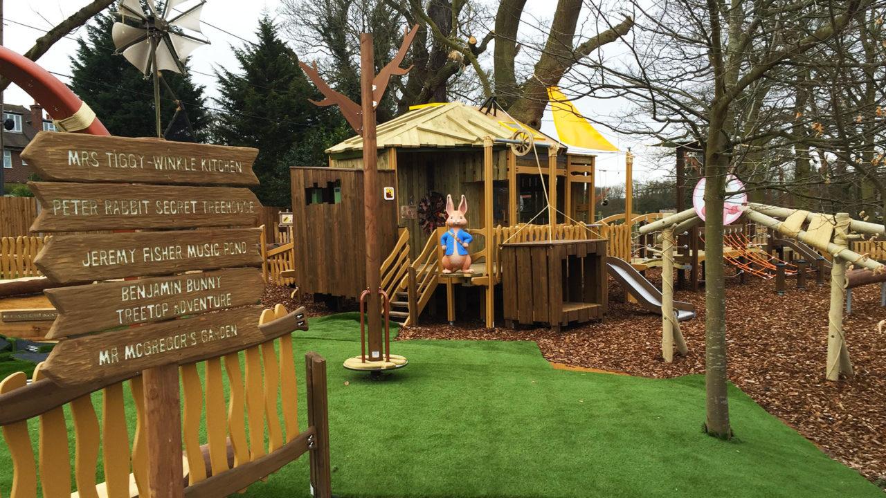 Lappset Creative - Freizeitpark - Peter Rabbit auf dem Spielplatz
