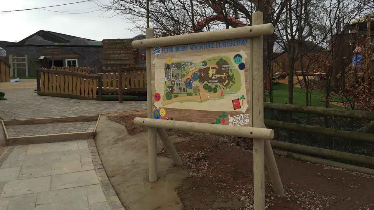 Lappset Creative - Freizeitpark - Peter Rabbit Thema