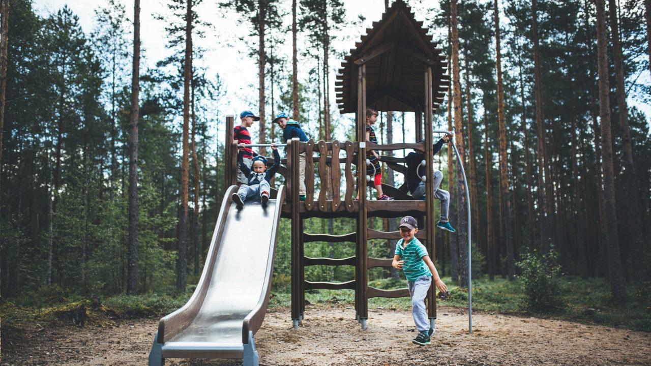 Lappset Finnland - Spiel- und Sportproduktsortimente aus Holz