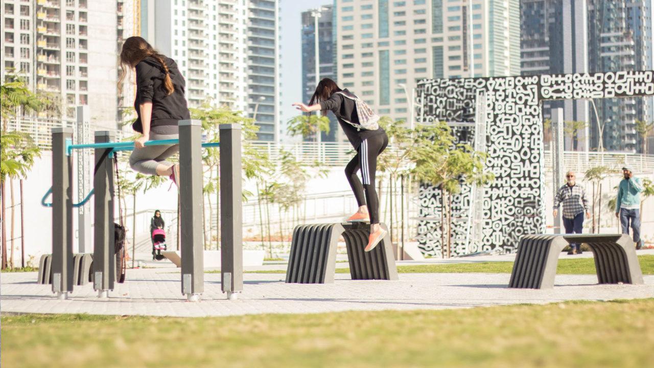Fitness Box: Die Box kann entweder für schnelles Springen genutzt werden oder für langsameres Stepping